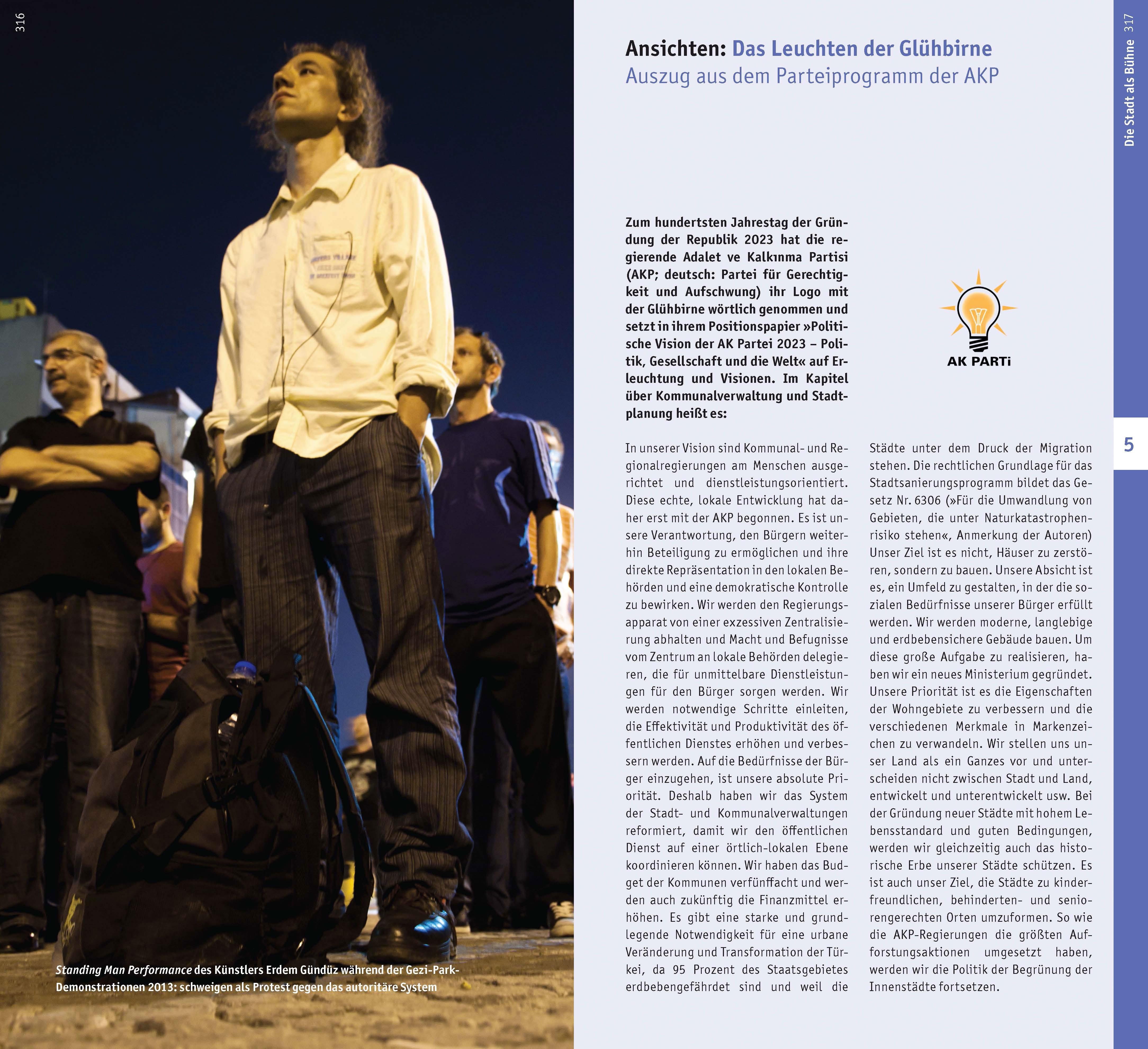 Der Monolit. Standing Man Performance von und mit Erdem Gündüz.