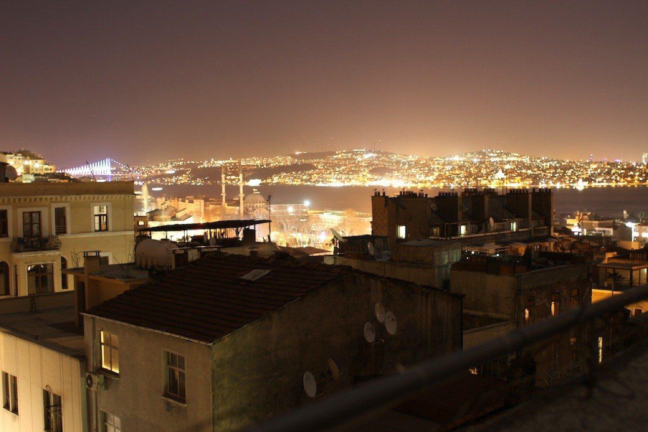 Lichtbosporus.  Der nächtlich-leuchtende Bosporus
