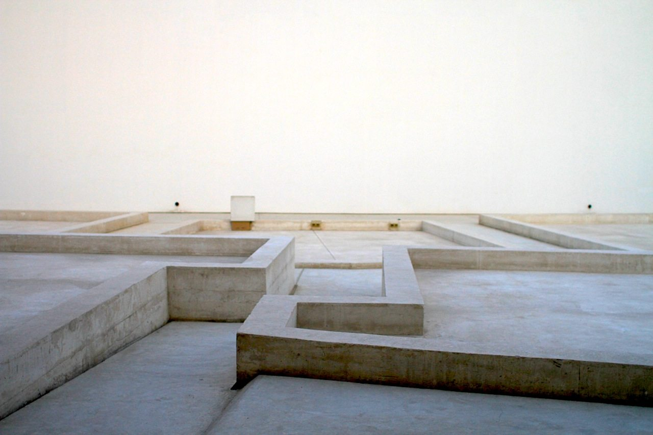 Linien als Sitzgelegenheit. Sharjah Art Foundation Art Spaces