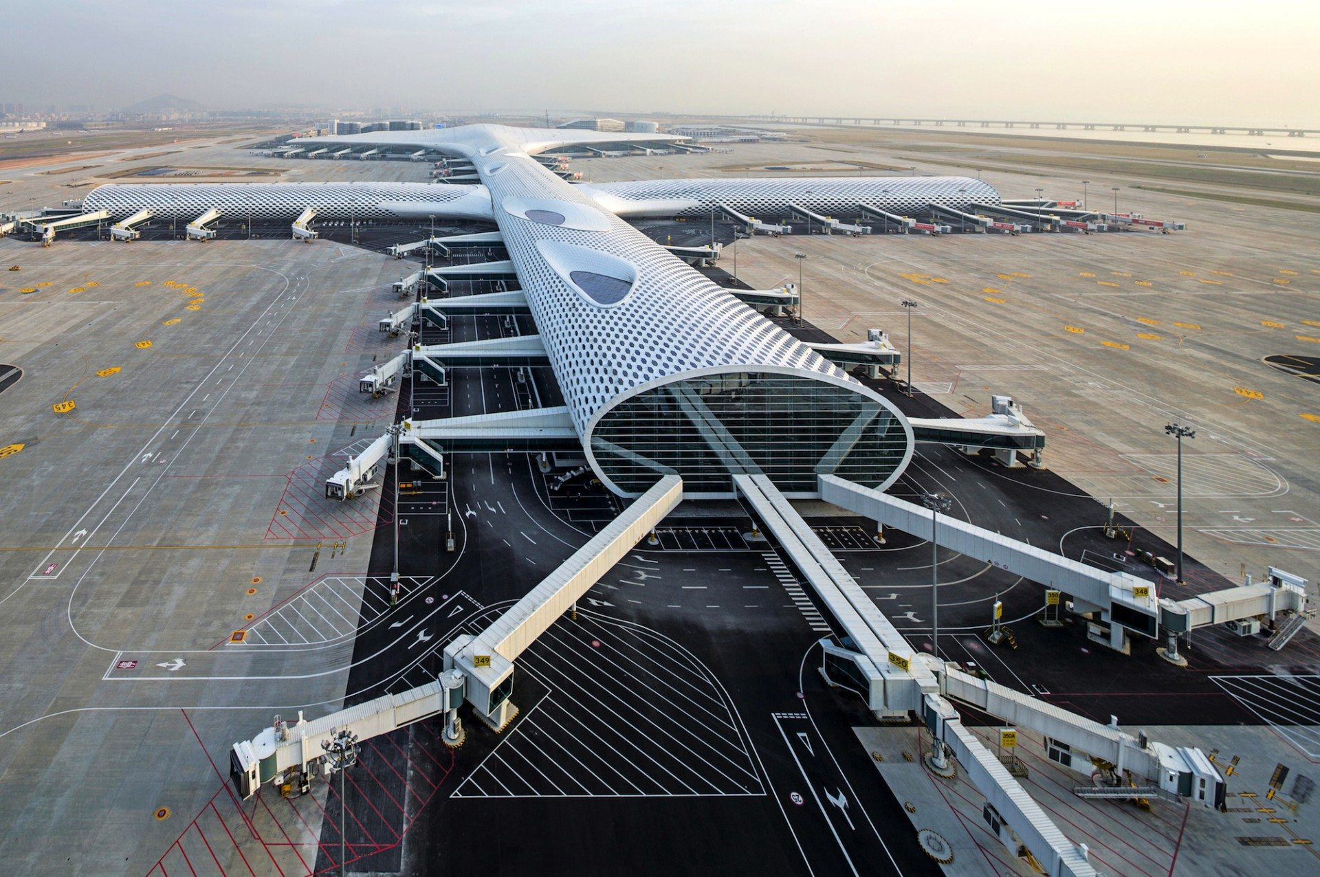 SZX.  Shenzhen Bao'an International Airport, China. Von Massimiliano und Doriana Fuksas.