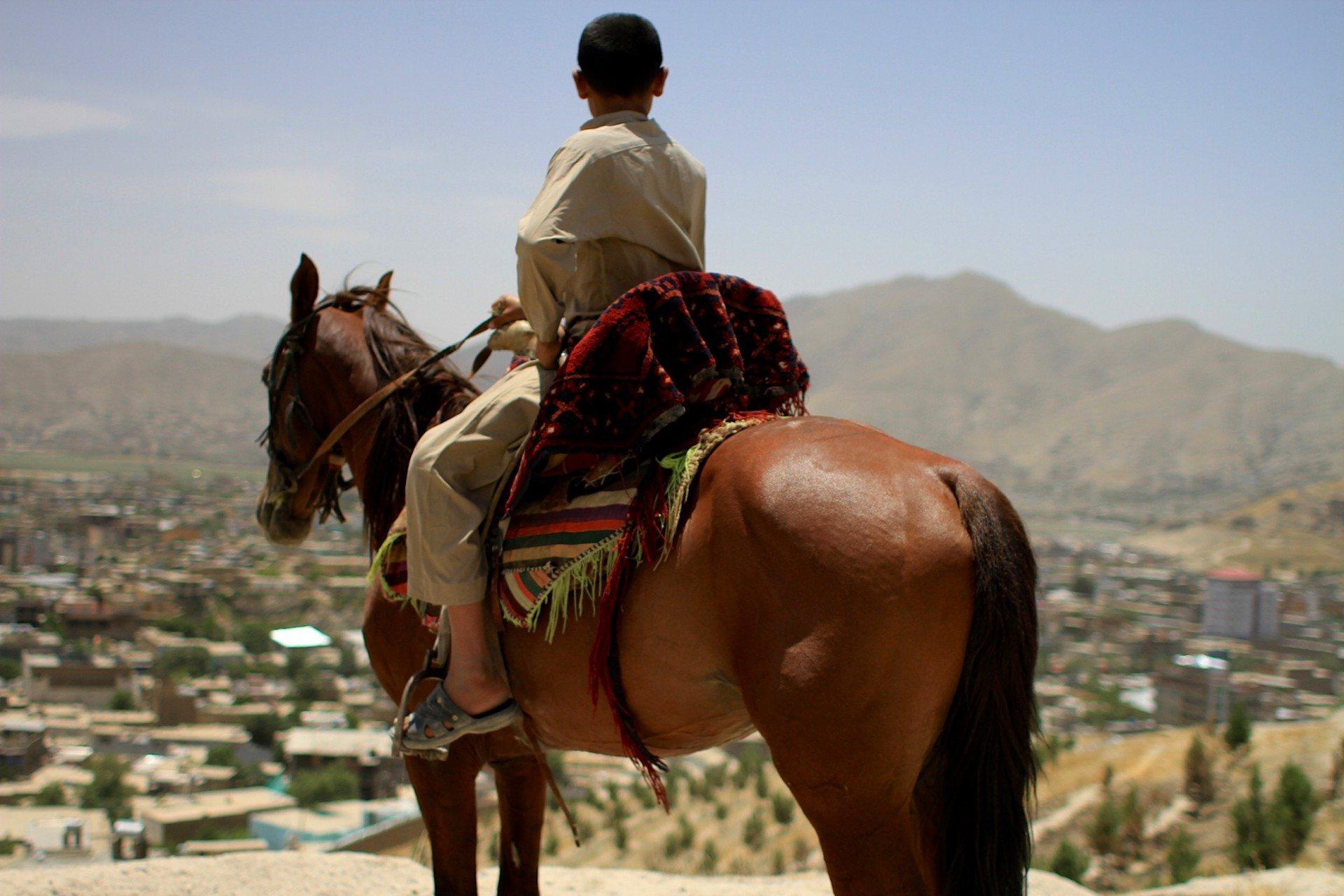 Der Reiter. Kabul zu seinen Füßen