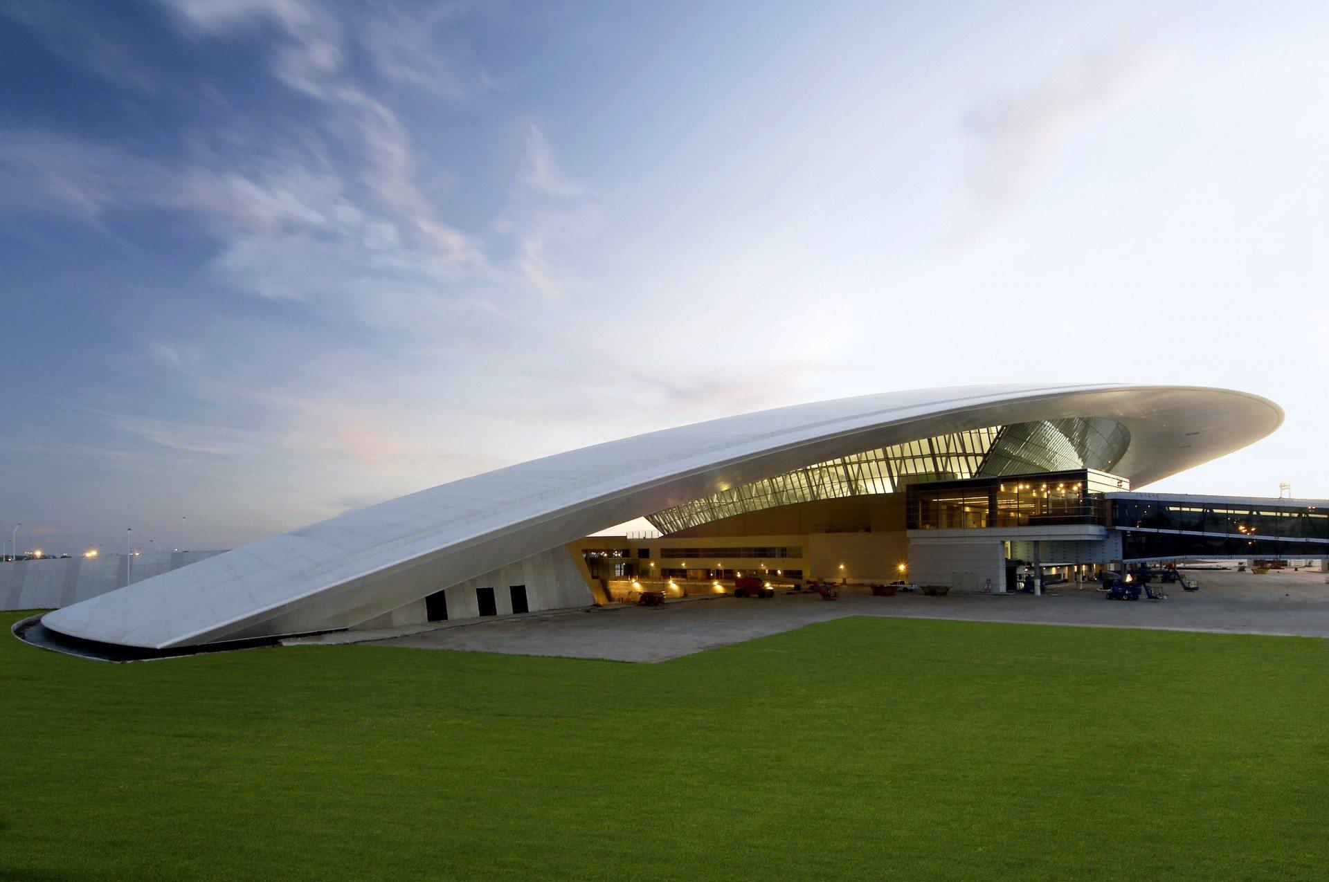 MVD. Aeropuerto Internacional De Carrasco General Cesáreo L. Berisso in Montevideo, Uruguay. Von Rafael Viñoly.