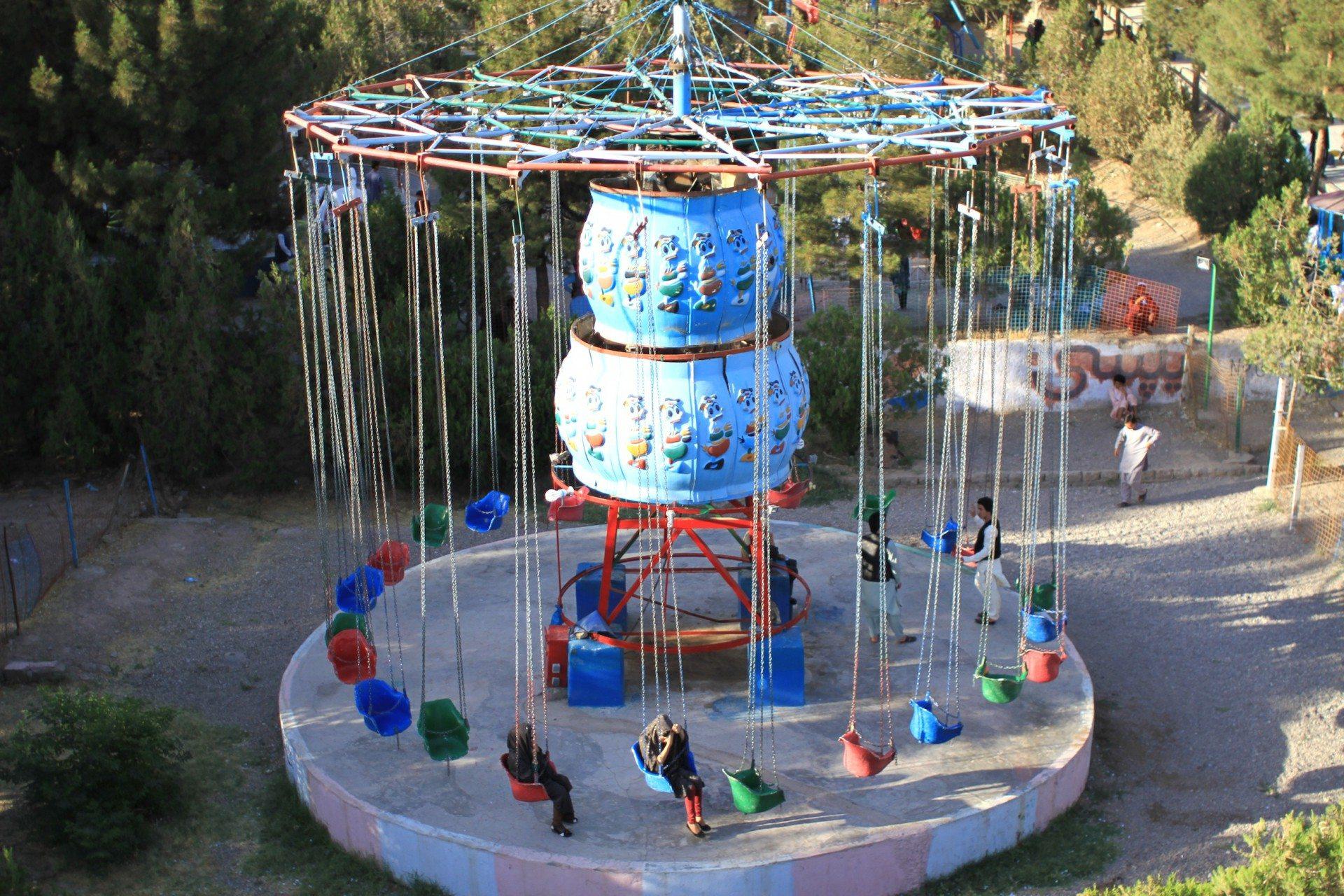 Die Drehung. In Herats Freizeitpark