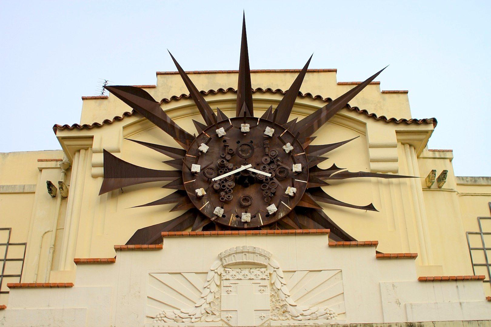 Busstation.  Mit Art déco-Fassade, Avenue de 24 août, Antibes