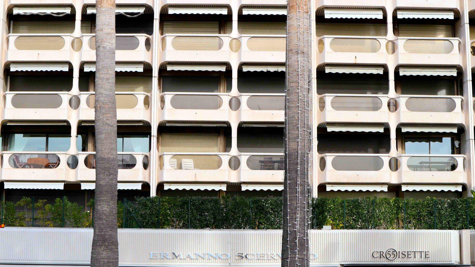 Résidence Centre Croisette.  von Hans Barreth und Eugène Lizero. Fertiggestellt 1974.