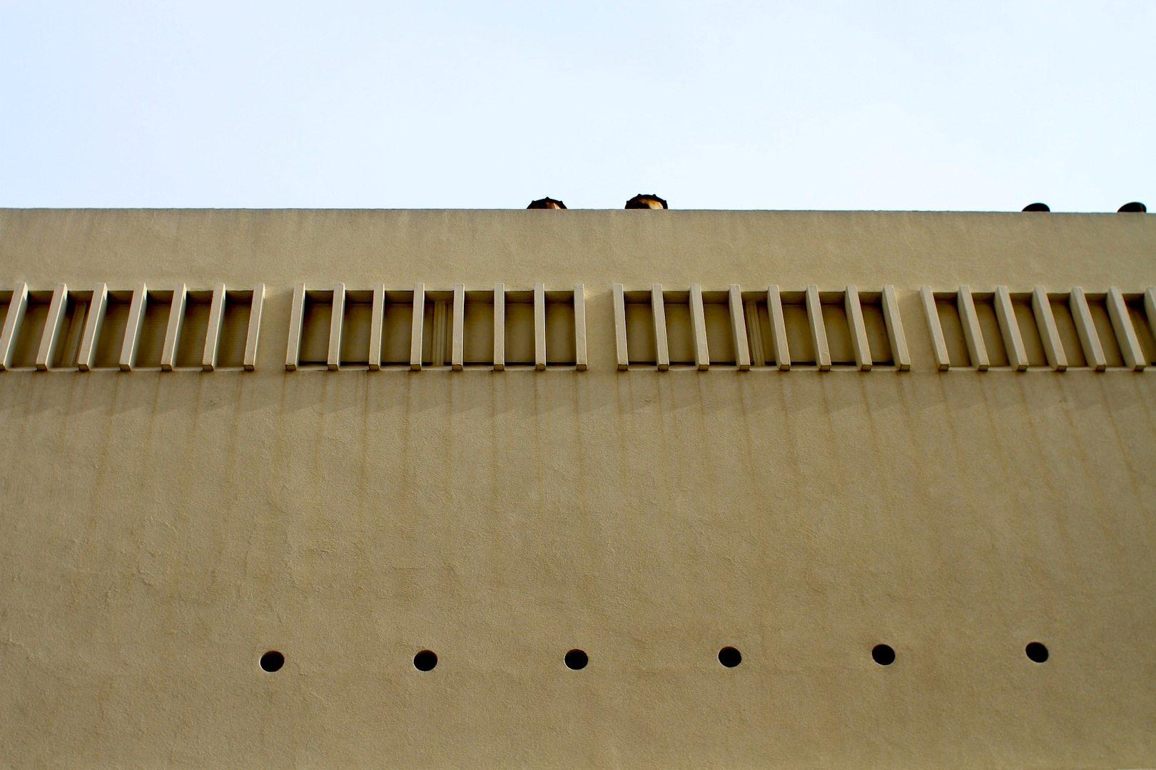 Fassade eines ehemaligen Kinos.  8 Rue Hoche, Cannes