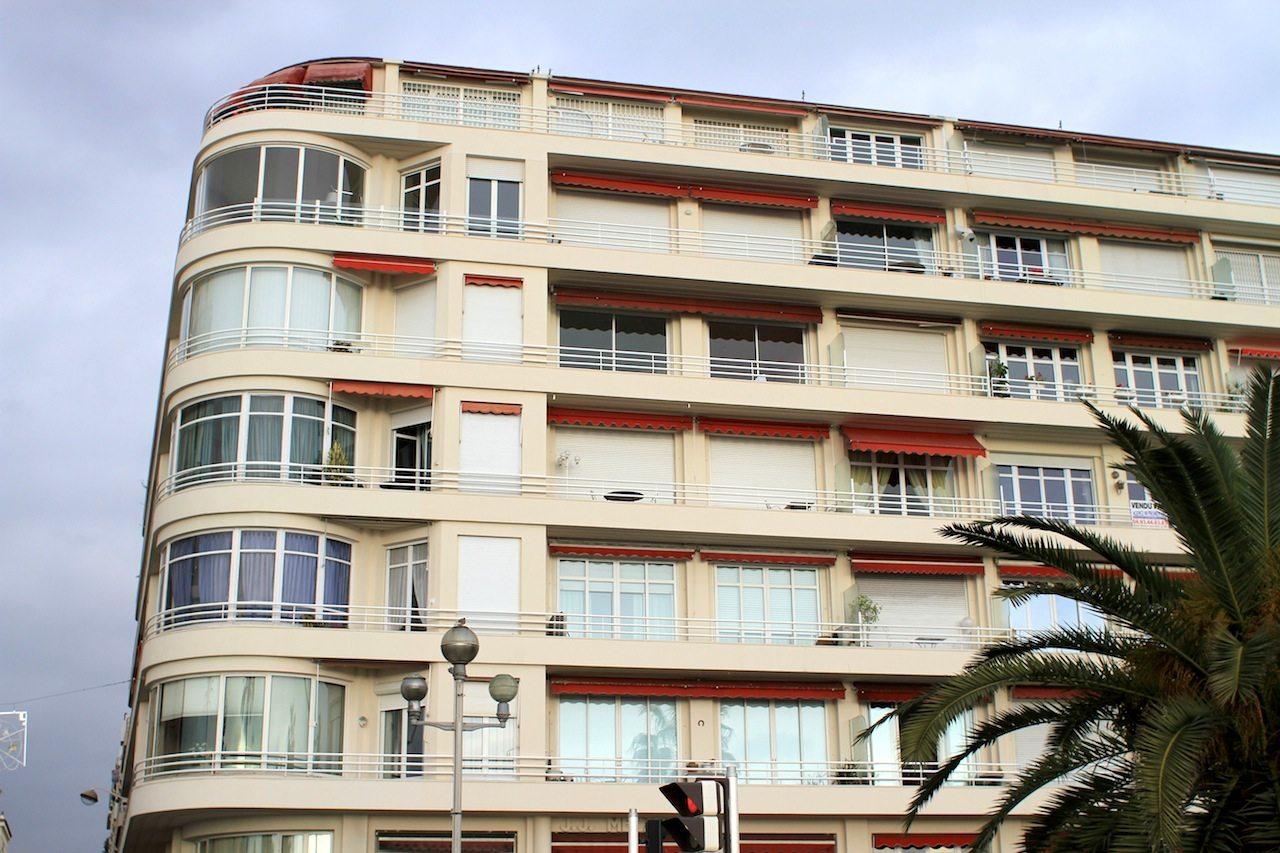 Le Jean-Jacques Mecatti. Frühe Moderne an der Promenade Anglais, Ecke Rue Meyerbeer, Nizza