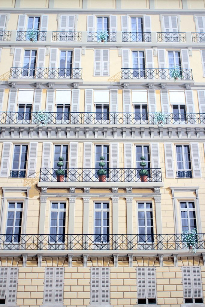 Fassadenkunst. Jardin Sulzer, Nizza