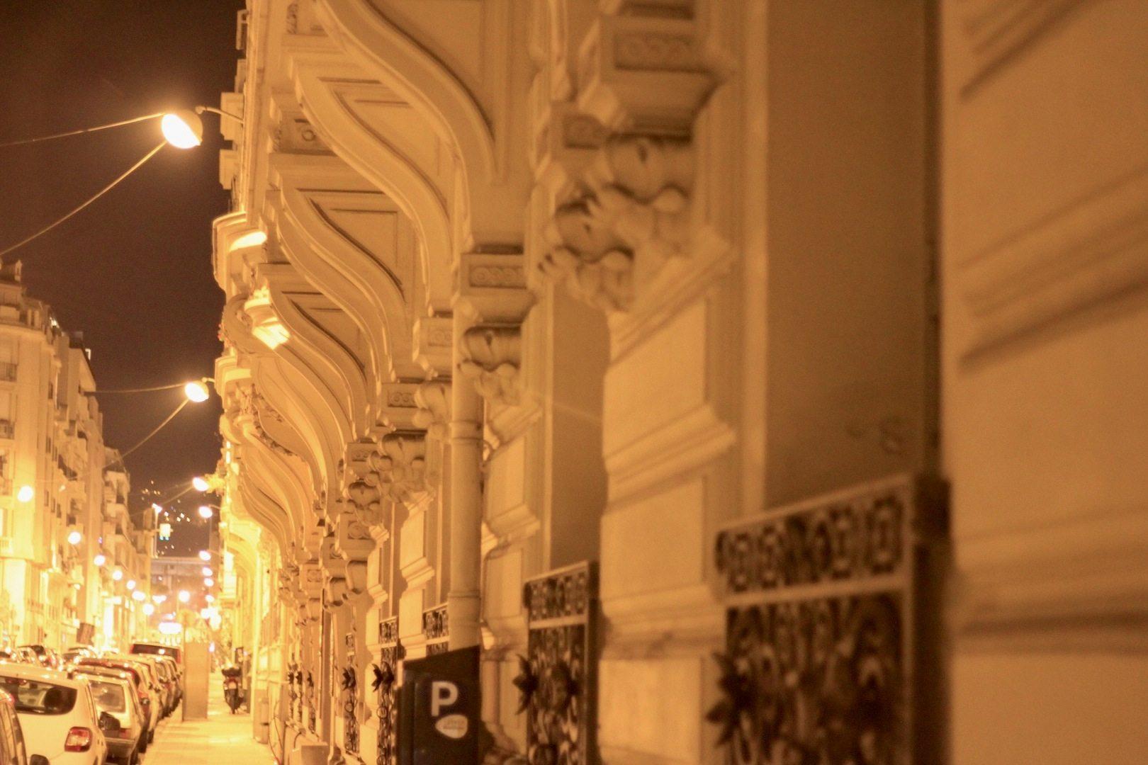 Rue Guiglia. Prachtstraße zwischen den Stadtteilen La Buffa und Musiciens, Nizza
