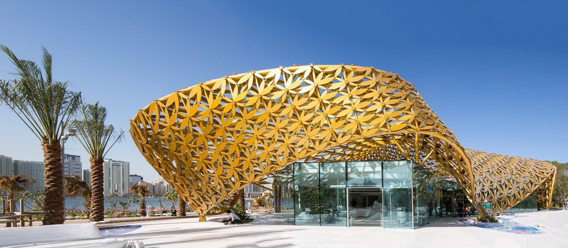 Butterfly Pavilion.  Die ornamentale Dachkonstruktion ist das auffälligste Merkmal der Bauten auf Al Noor Island