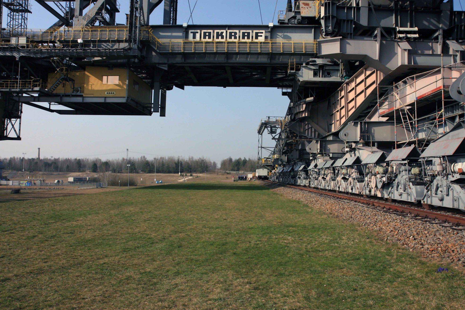 F60. Gewicht 11.000 t Stahl