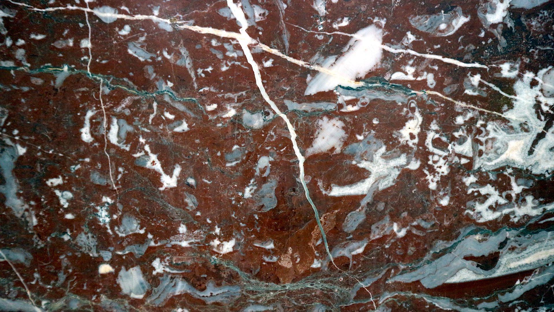 Seltene Steine und Marmor.  In der Empfangshalle
