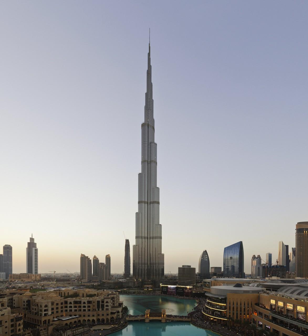 """Der Turm. 25°11'38""""N, 55°16'41""""E: The Burj, 2014, 180 x 174cm"""
