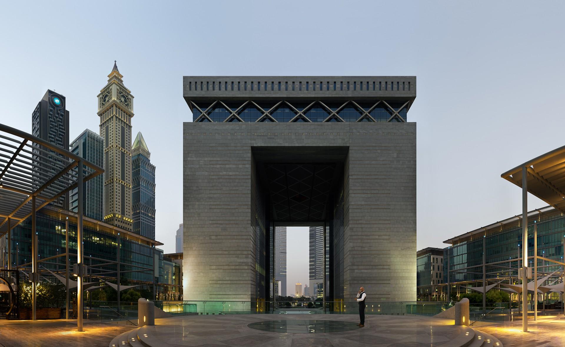 The Gate. 25°12'50''N 55°16'50''E
