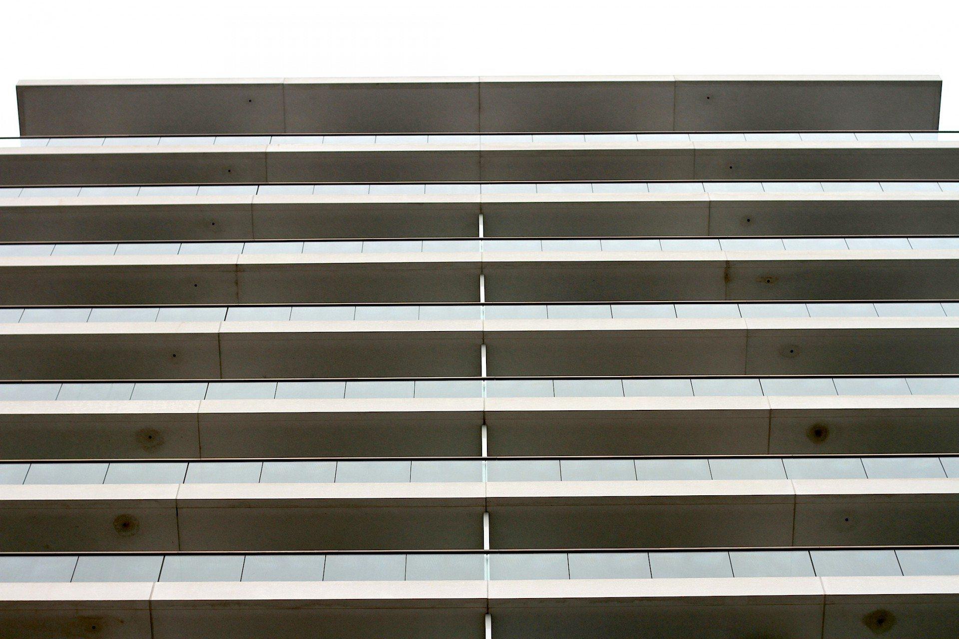 Schlicht. Die Türme 3 + 4 von David Chipperfield Architects kommen gewohnt geradlinig und ruhig daher.