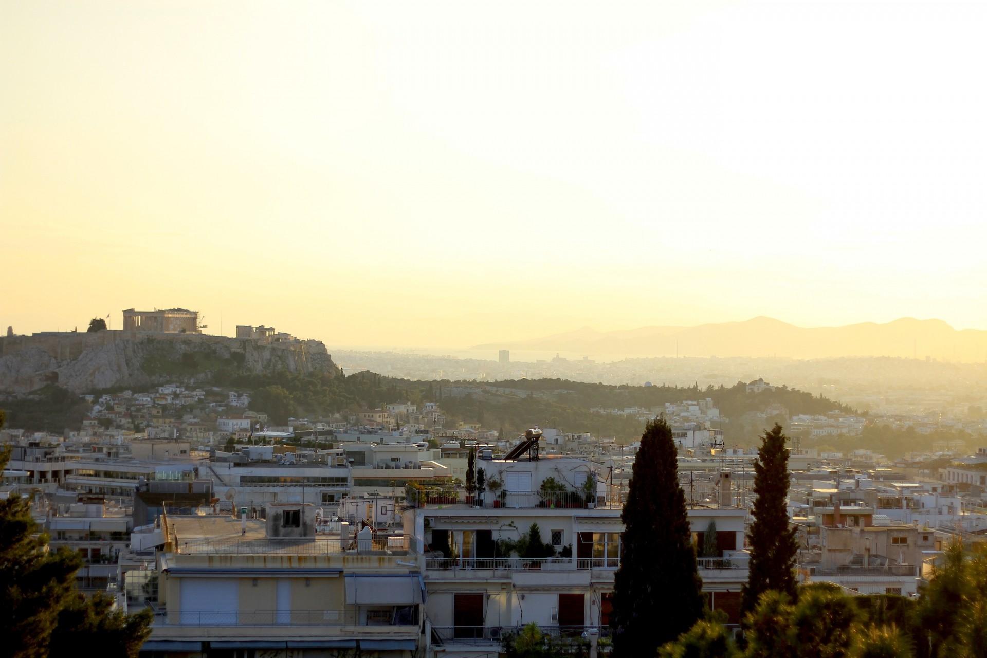 Geschichtlich.  Die Akropolis fest im Blick.
