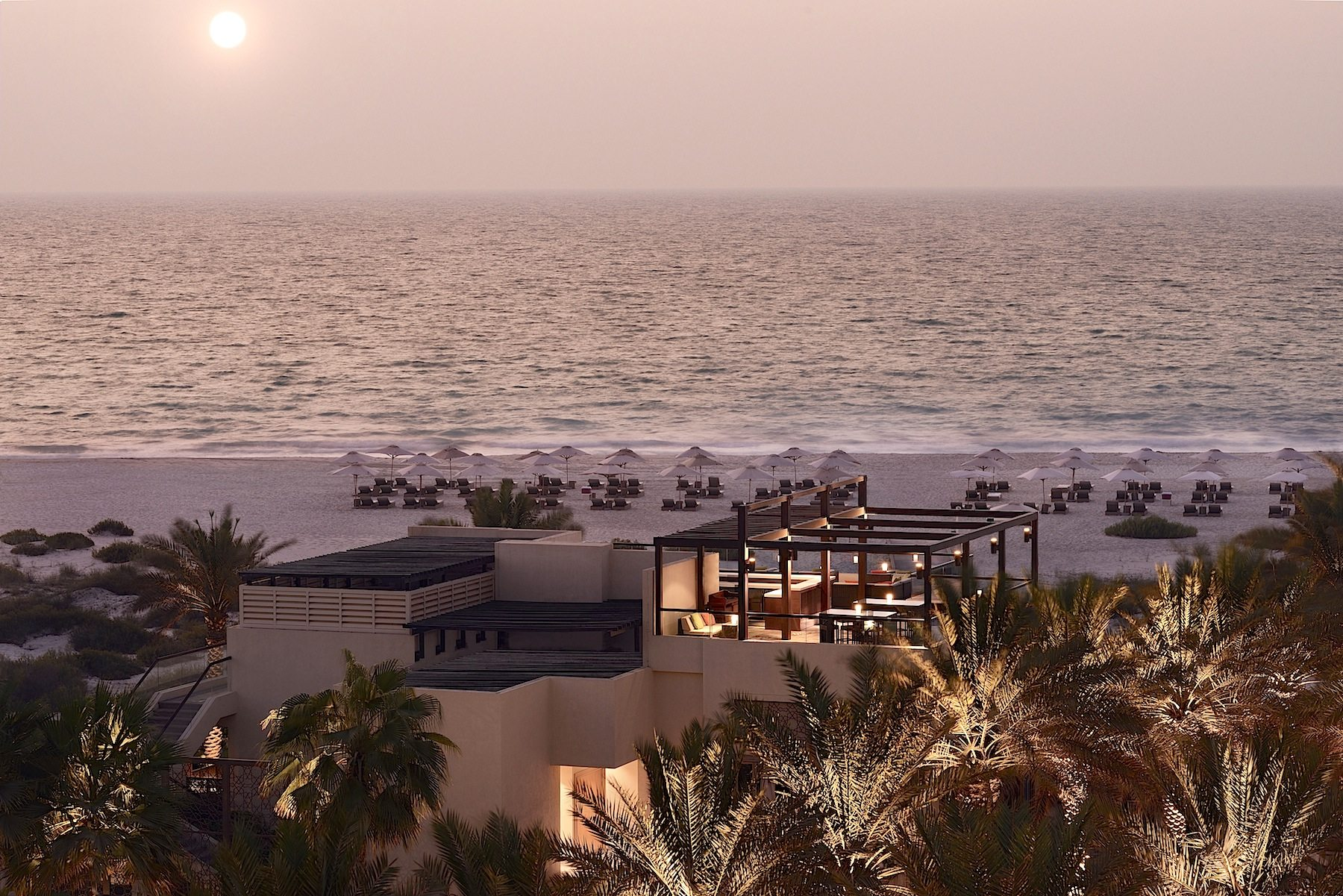 Am Strand.  Beach House, Park Hyatt Abu Dhabi