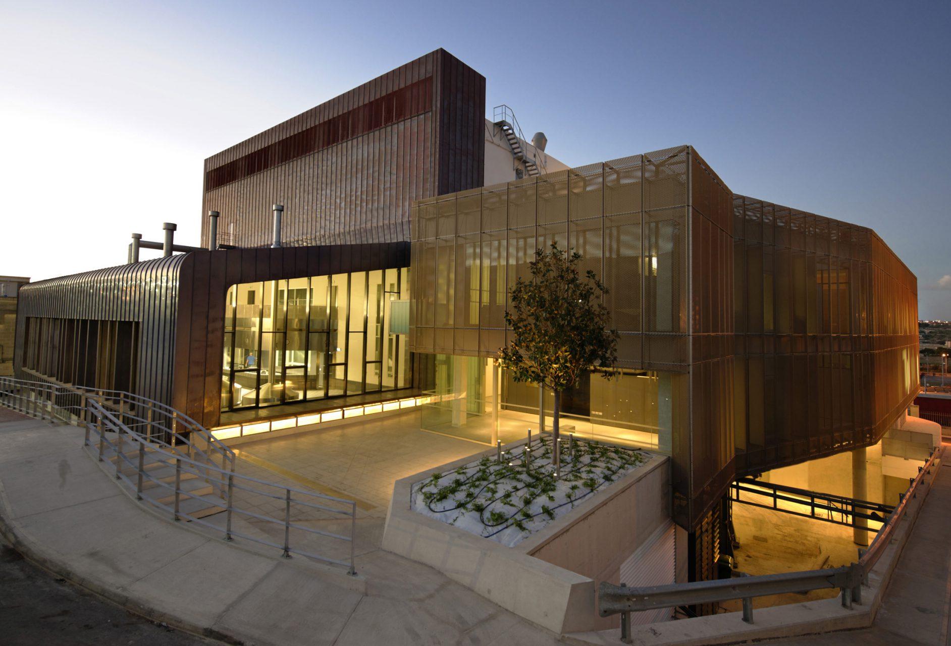 Glänzend. Die neue vom maltesischen Büro Architecture Project AP entworfene Brauerei