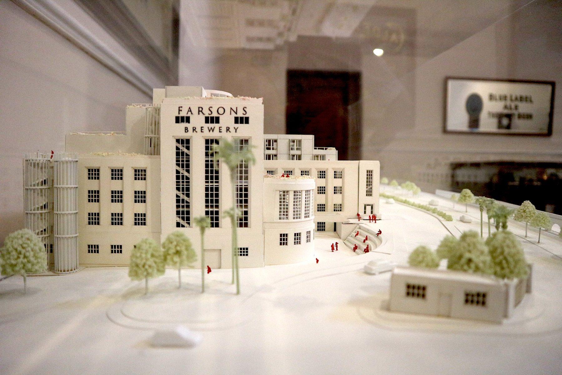 Zugänglich. Modell für den Umbau der alten Brauerei. Das britische Büro Ian Ritchie Architects ist für den Einbau von Büros und Gewerbeeinheiten verantwortlich.