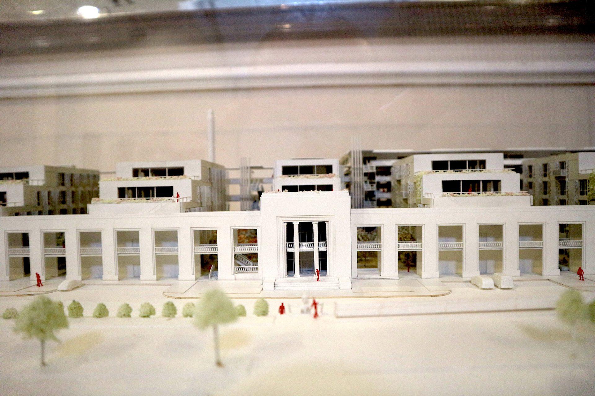 Wohnlich.  Modell der Umbaumaßnahmen. In diesem Bereich soll Platz für Büros und Gewerbe geschaffen werden. Für die Planungen ist das Büro Ian Ritchie Architects verantwortlich.