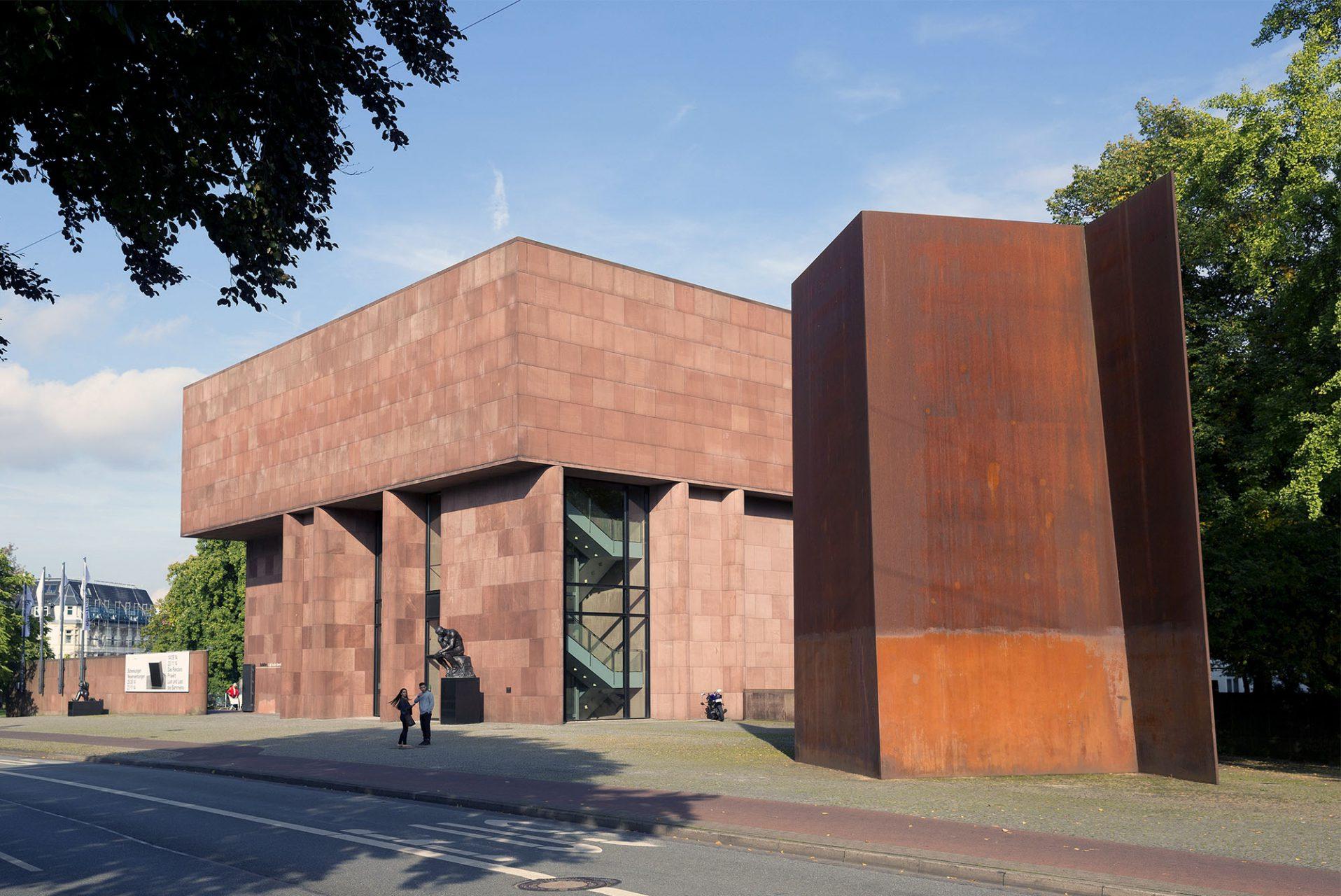 Kunsthalle Bielefeld.  Das Ausstellungshaus entstand zwischen 1966 und 1968 nach Plänen des amerikanischen Architekten Philip Johnson.