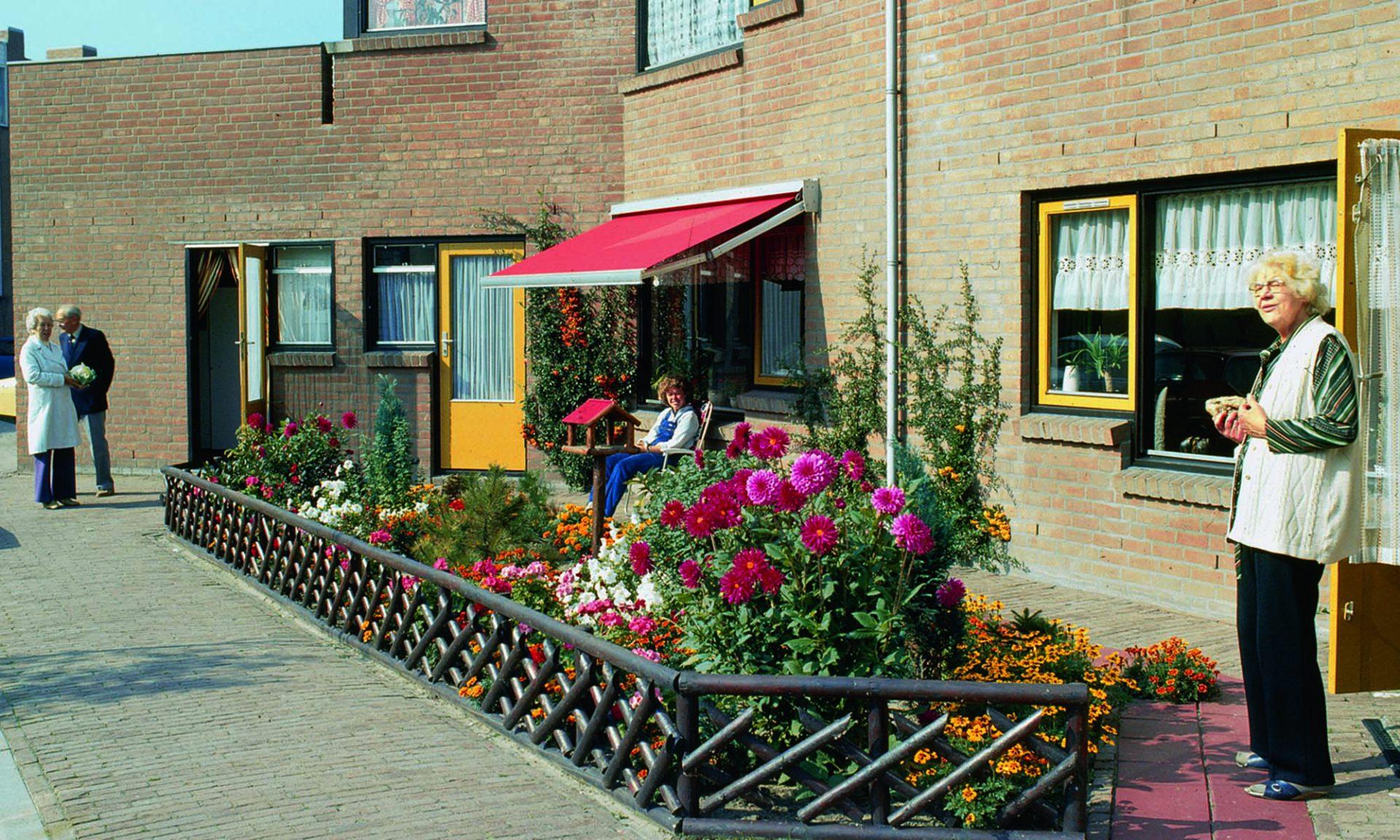Lebendige, sichere, nachhaltige und gesunde Stadt. Sanfte Übergangsräume geben den Bewohnern die Möglichkeit, ihre Wohnungen und Vorgärten individuell zu gestalten.