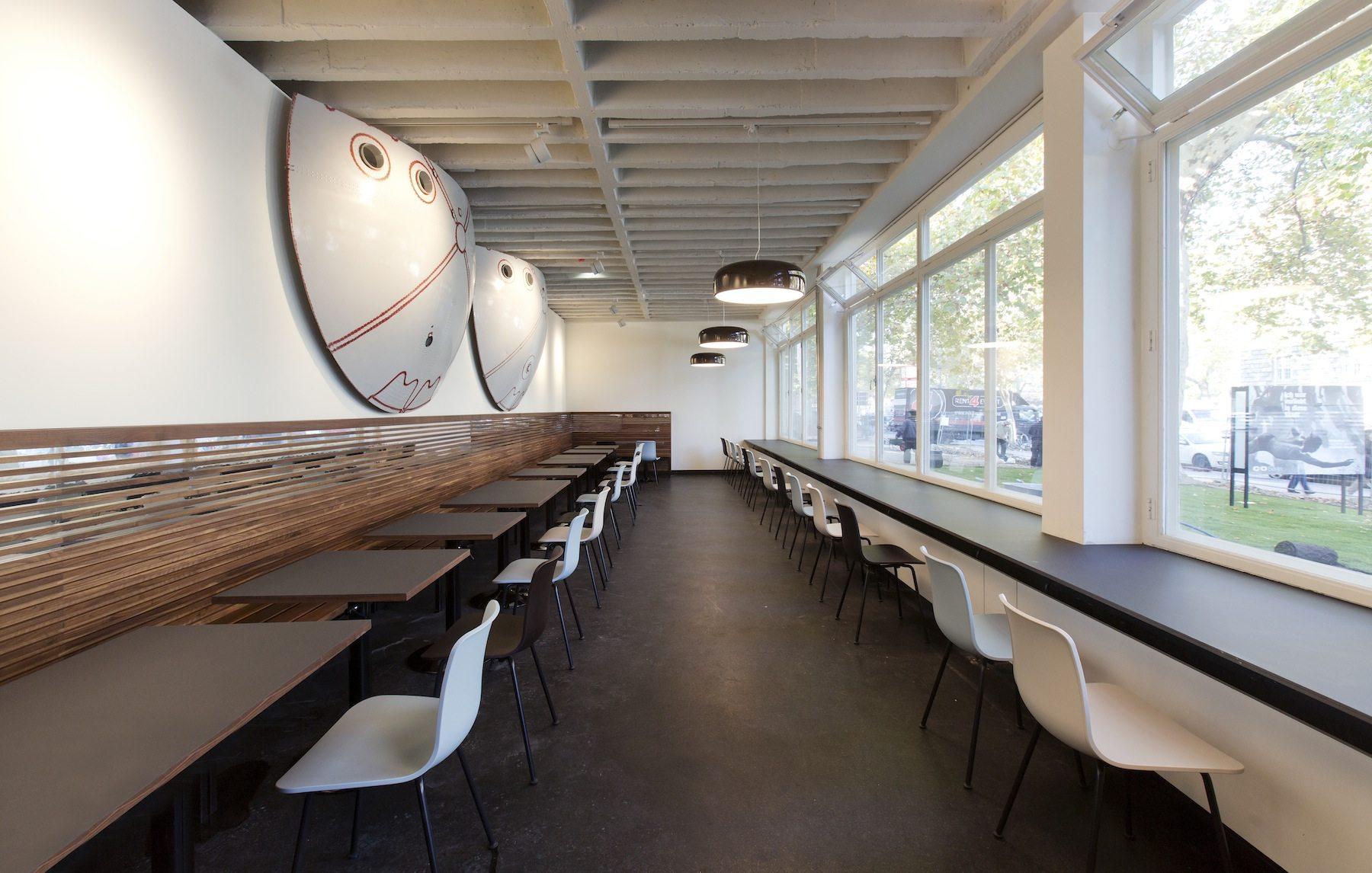 Café. Im C/O Berlin, Amerika Haus