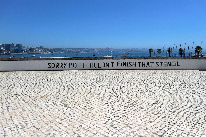 ... mit prägnanten Entschuldigungen ....