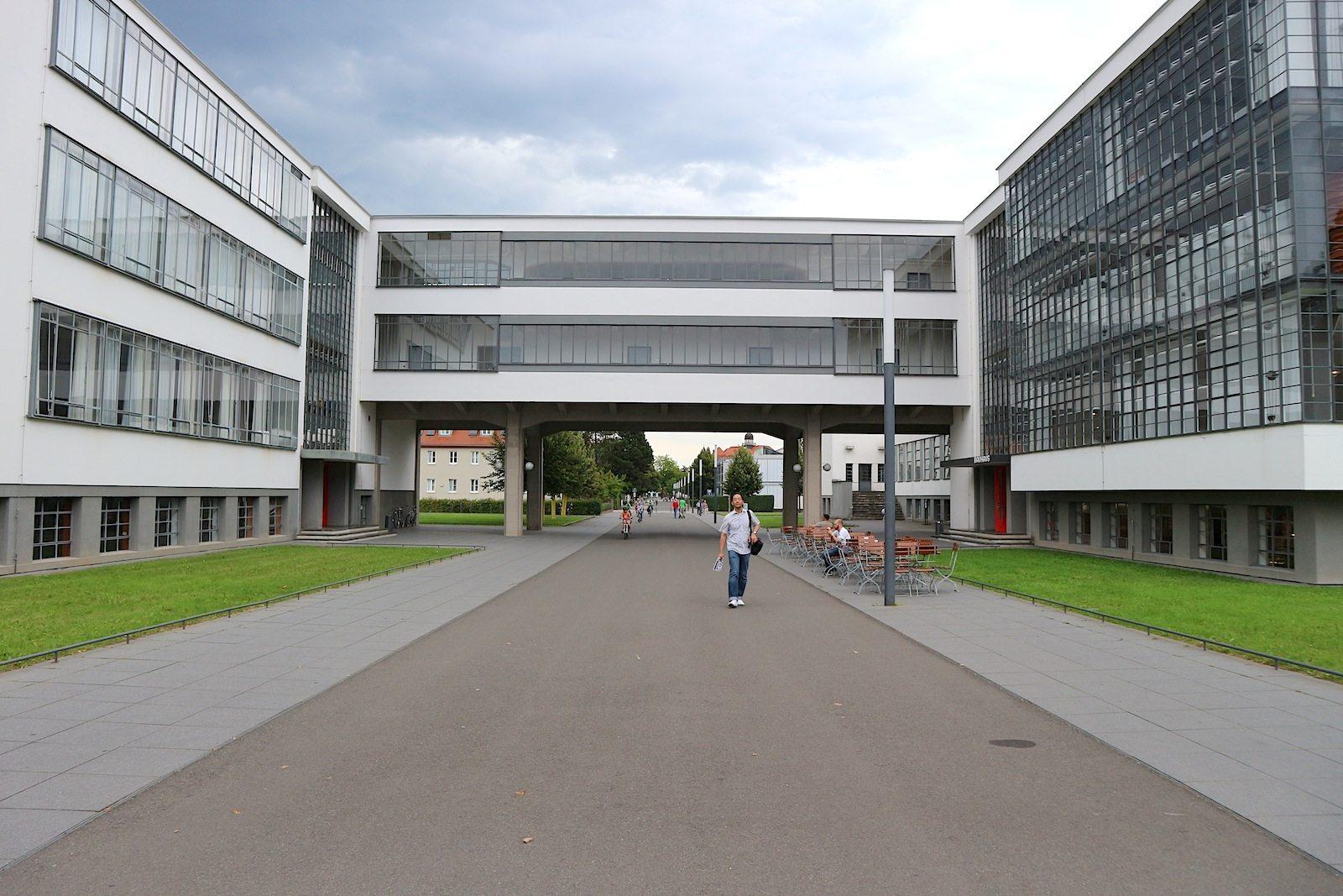 Nordflügel, Brücke und Werkstattflügel.