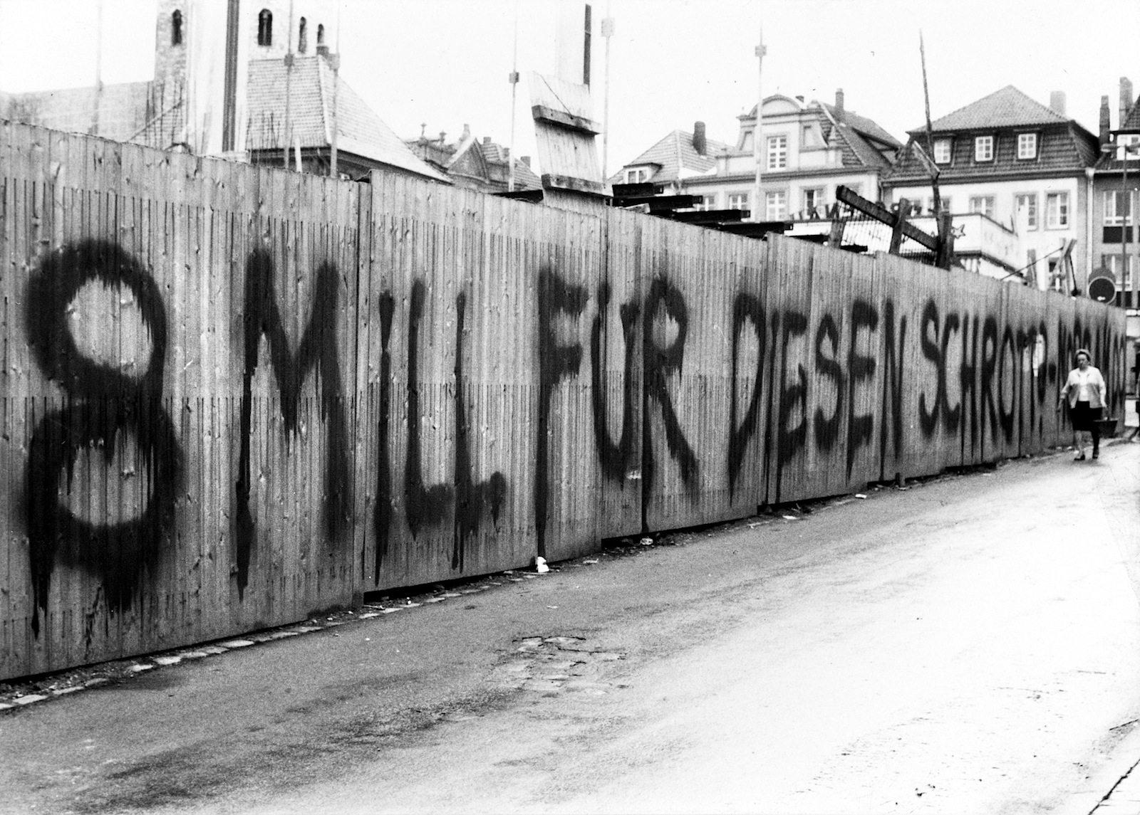 Die Kontroverse.  Viele Bürger lehnten den Böhm-Bau ab und schmähten es inbrünstig.