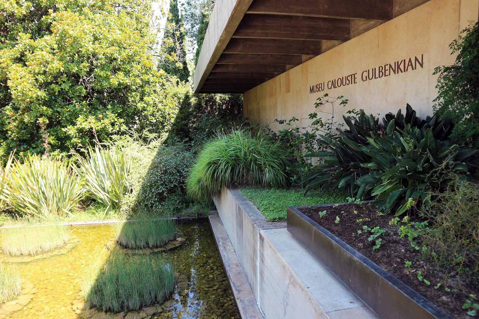 Das Museum. Das eigentliche Museum liegt im Westen des Parks und hat einen eigenen Haupteingang.