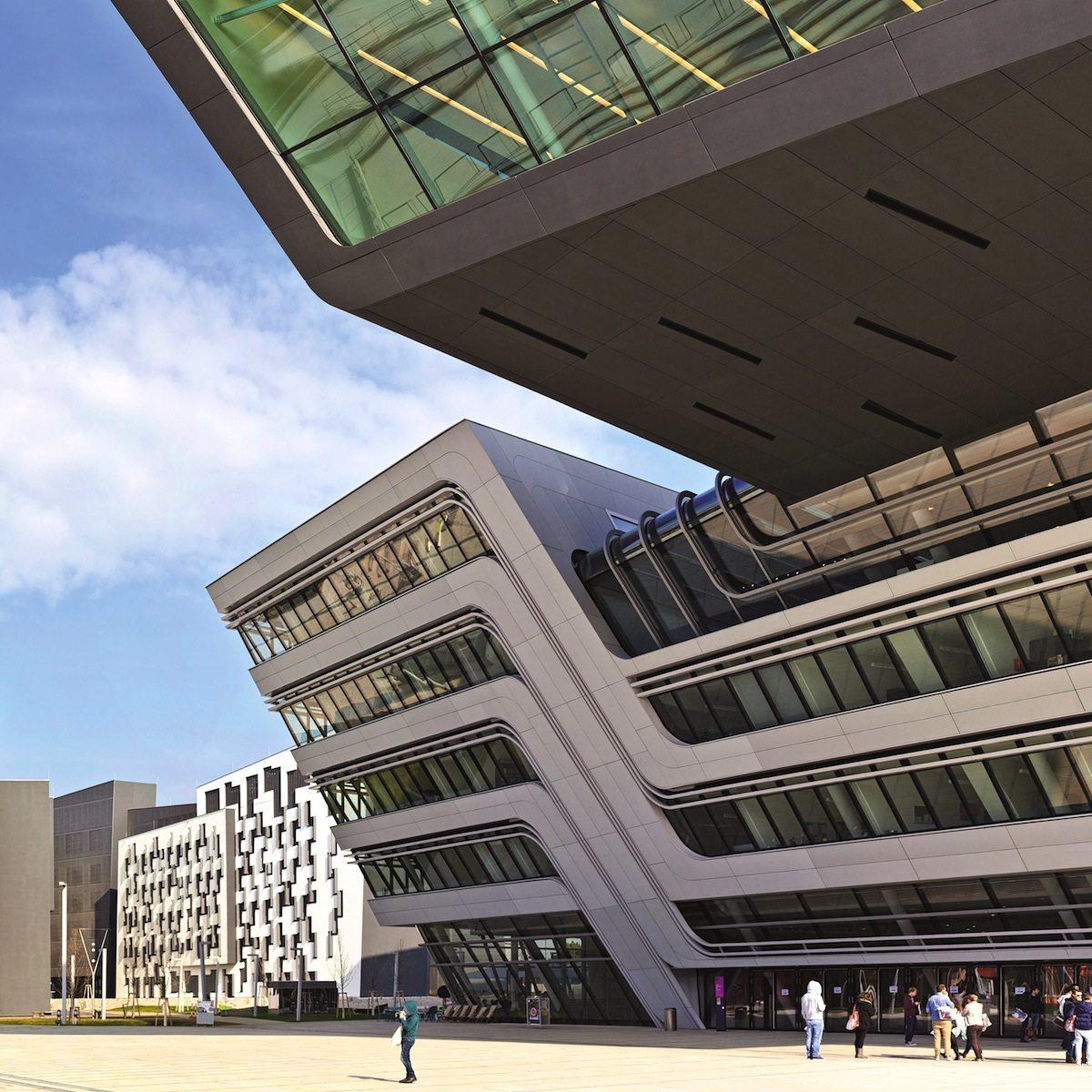 """Wirtschaftsuniversität Wien.  Das """"Library & Learning Center LLC"""" von Zaha Hadid Architects"""