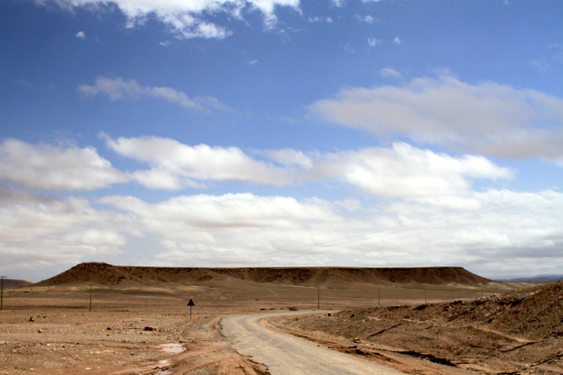 Ausläufer. Plateaus und weite Ebenen am Fuße des Hohen Atlas