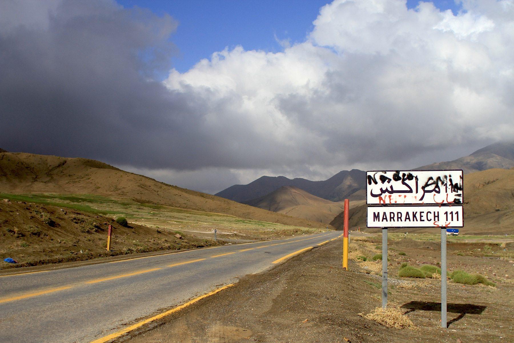 N9-Weg. Die Nationalstraße führt von Marrakesch kommend bis in den marokkanisch-algerischen Grenzort El Ghizlane.