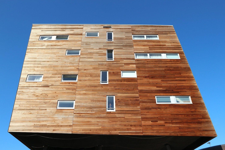 Apollo Hotel. Ist Teil des Urban Entertainment Centre von Alsop Architects, London, fertiggestellt 2004