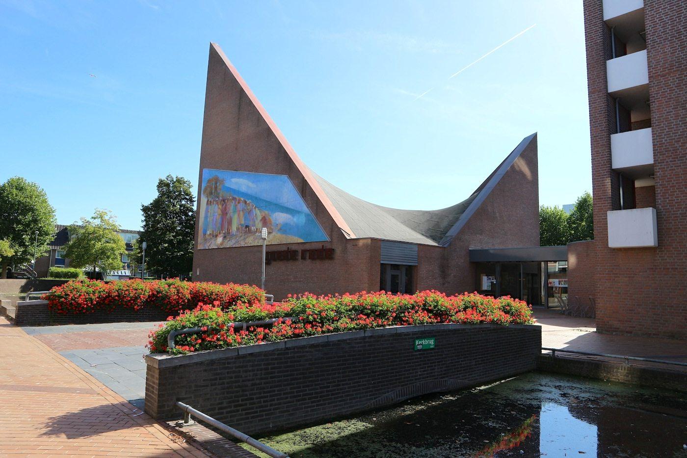 Kirche De Goede Rede.  Architectenbureau Steen, Tuinhof & Weerstra, Leeuwarden