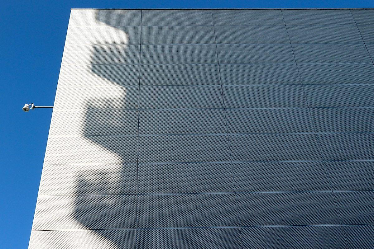 Utopolis. Stimmige Fassadengestaltung: Merkmal der Innenstadt und natürlich auch am Gebäude von OMA und Floris Alkemade, eröffnet 2005.