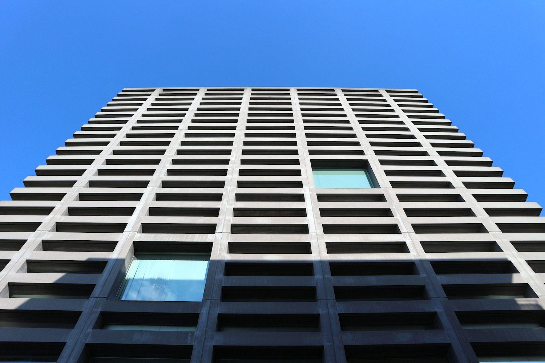 Tarra Tower. MVRDV / PBT, 2002. Oft ist die Architektursprache der Rotterdamer farbenfroh-fragil. Bei diesem Projekt setzten sie auf Ruhe und die robuste Kraft des Betons.