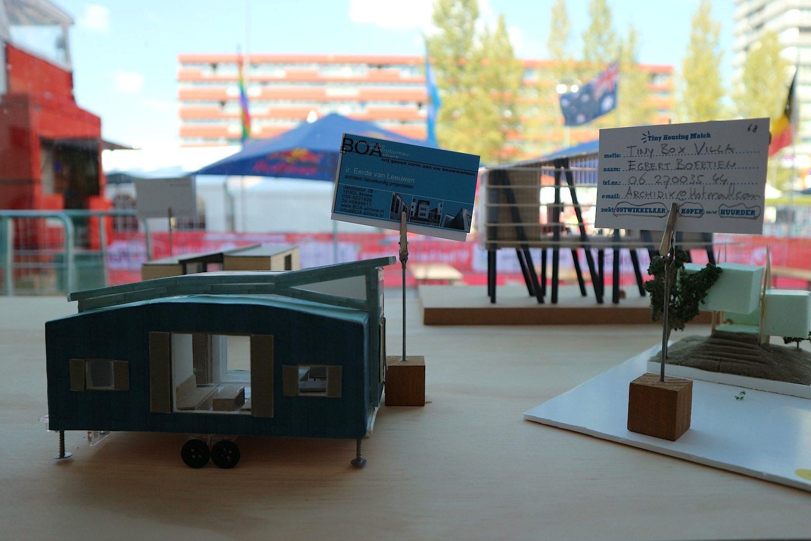 Ausstellung.  Die hier gezeigten Modelle sind im von SANAA entworfenen Schouwburg in der Almerer Innenstadt zu sehen.