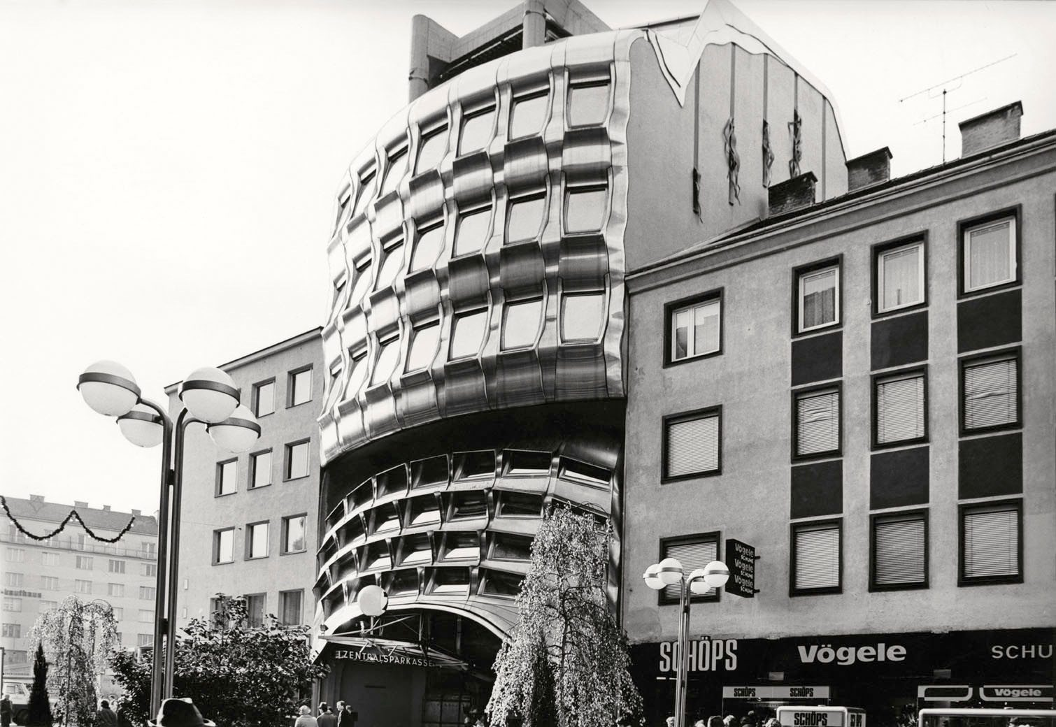 Z-Sparkassen-Filiale, 1975–1979. Günther Domenig