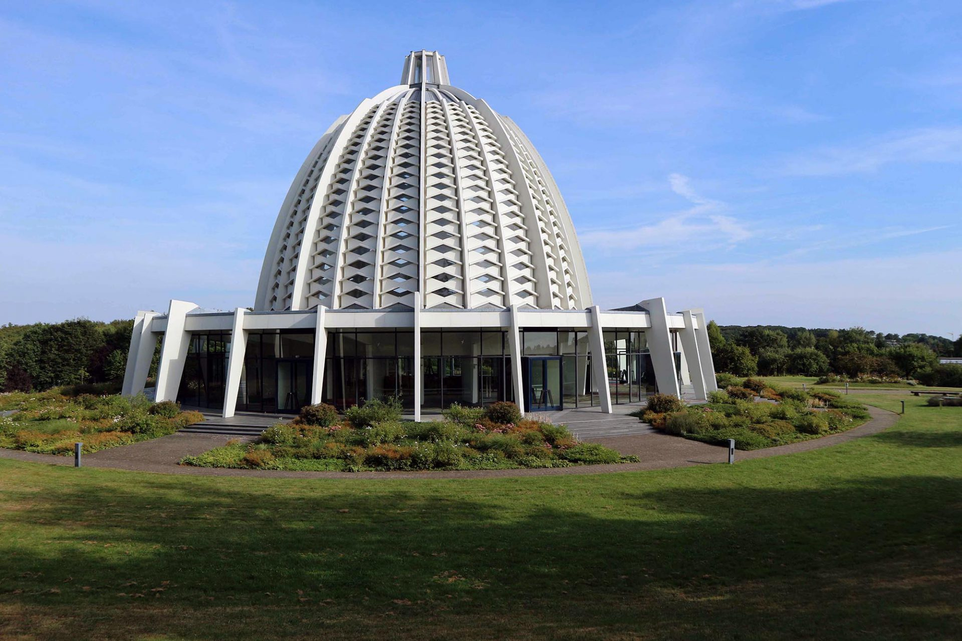 Haus der Andacht. Die Fläche der Tempel-Anlage lag bei Baubeginn bei 29.068 Quadratmetern.