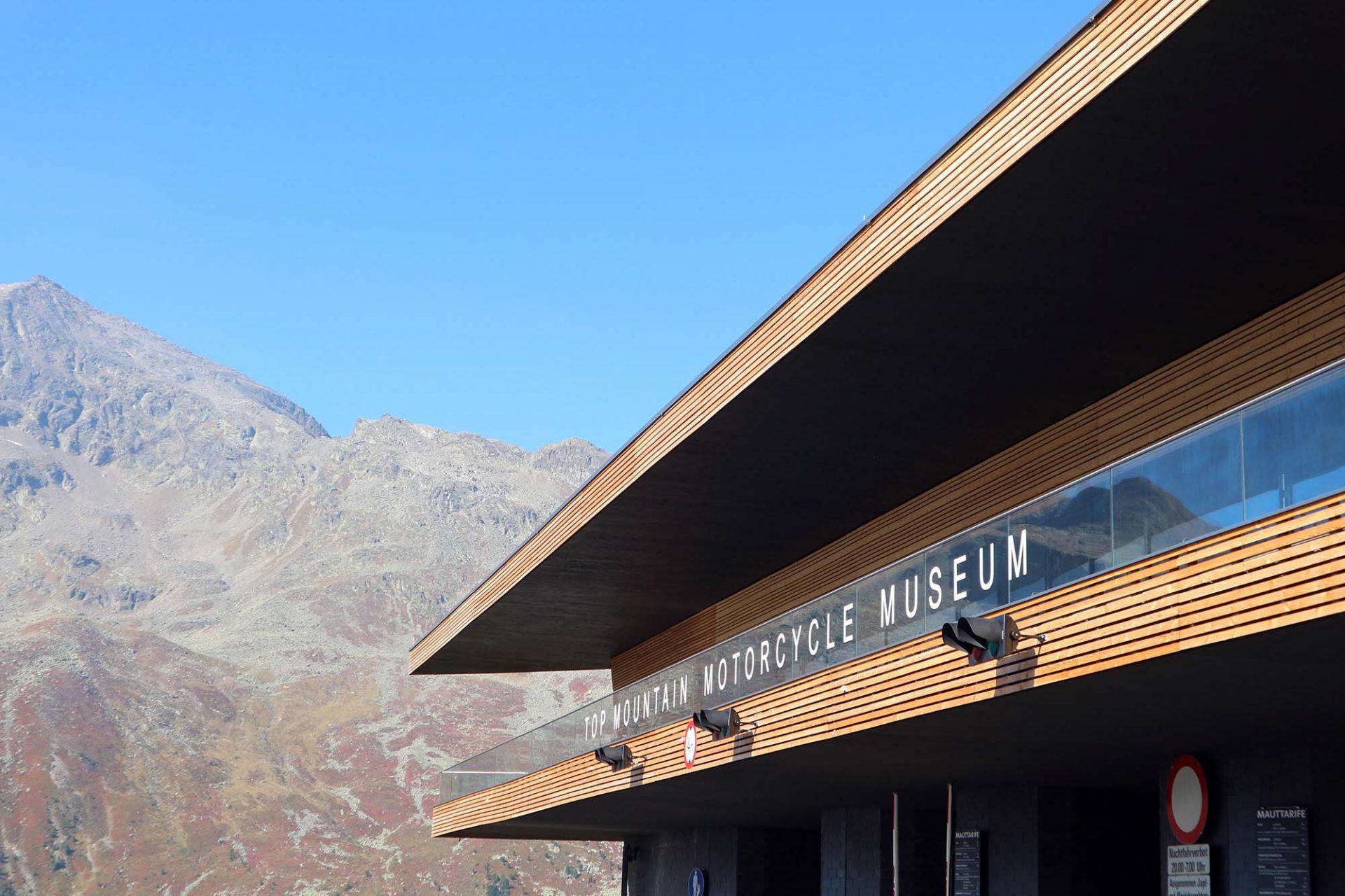 Top Mountain Motorcycle Museum.  Herzstück der Anlage ist das höchstgelegene Motorrad-Museum Europas.