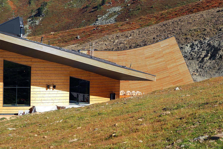 Top Mountain X-Cross Point. Ein großer Wurf aus Holz, Stein und Stahl.