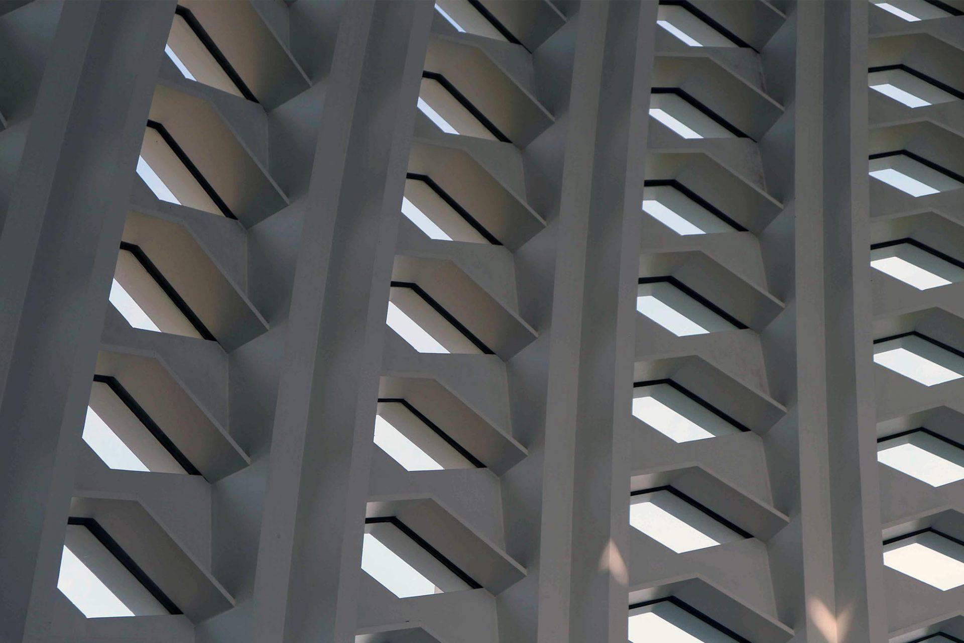 Die Kuppel. Besteht aus 540 rautenförmigen Glasscheiben.