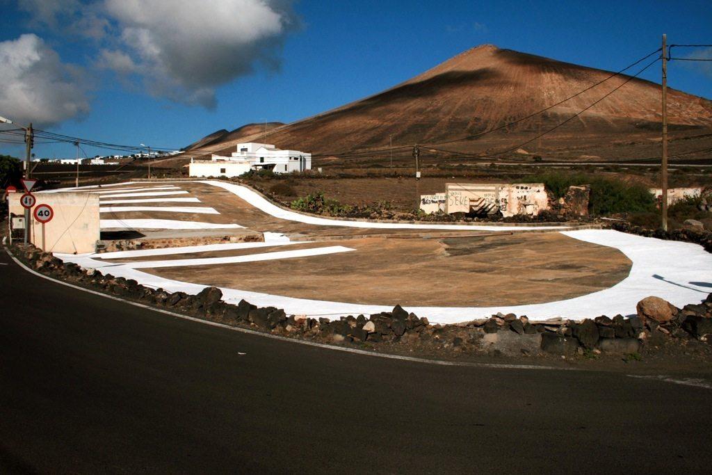 Begleiterscheinung XI. 2008, Wandfarbe auf Beton, Tias, Lanzarote, Kanarische Inseln, Spanien