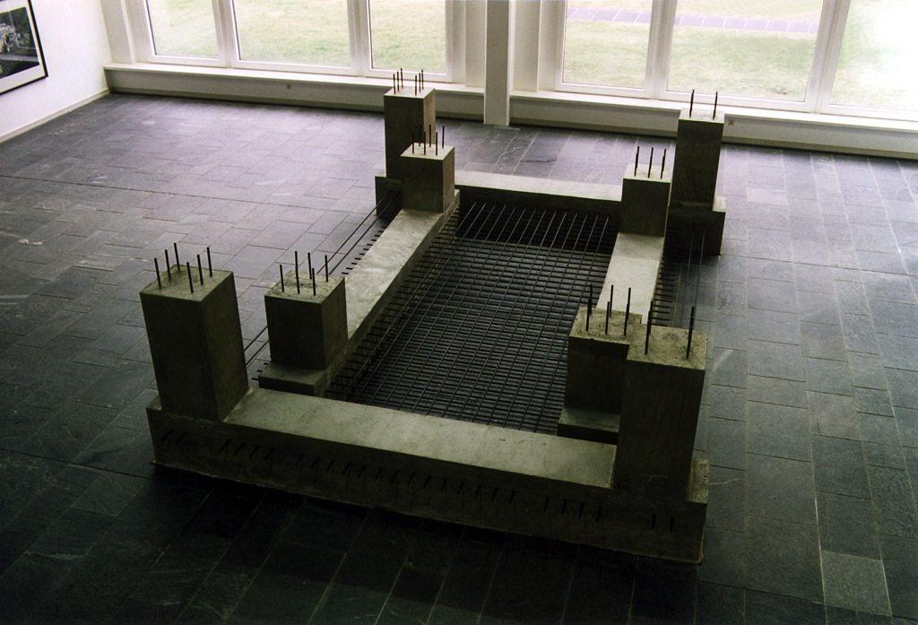 Universal Mannheim. 1998, Beton, Stahl, 175 x 400 x 600 cm, Kunsthalle Mannheim