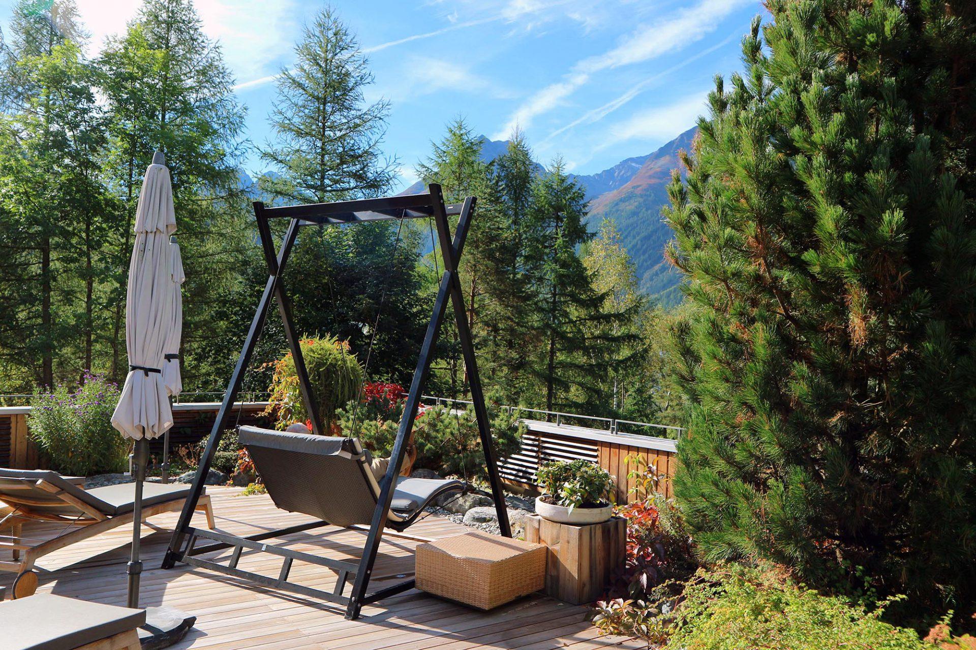 """Naturhotel Waldklause. Die Waldklause wurde 4 mal von Geo Saison zum """"besten Ökohotel Europas"""" gewählt. Hinzu kamen viele andere Auszeichnungen ..."""