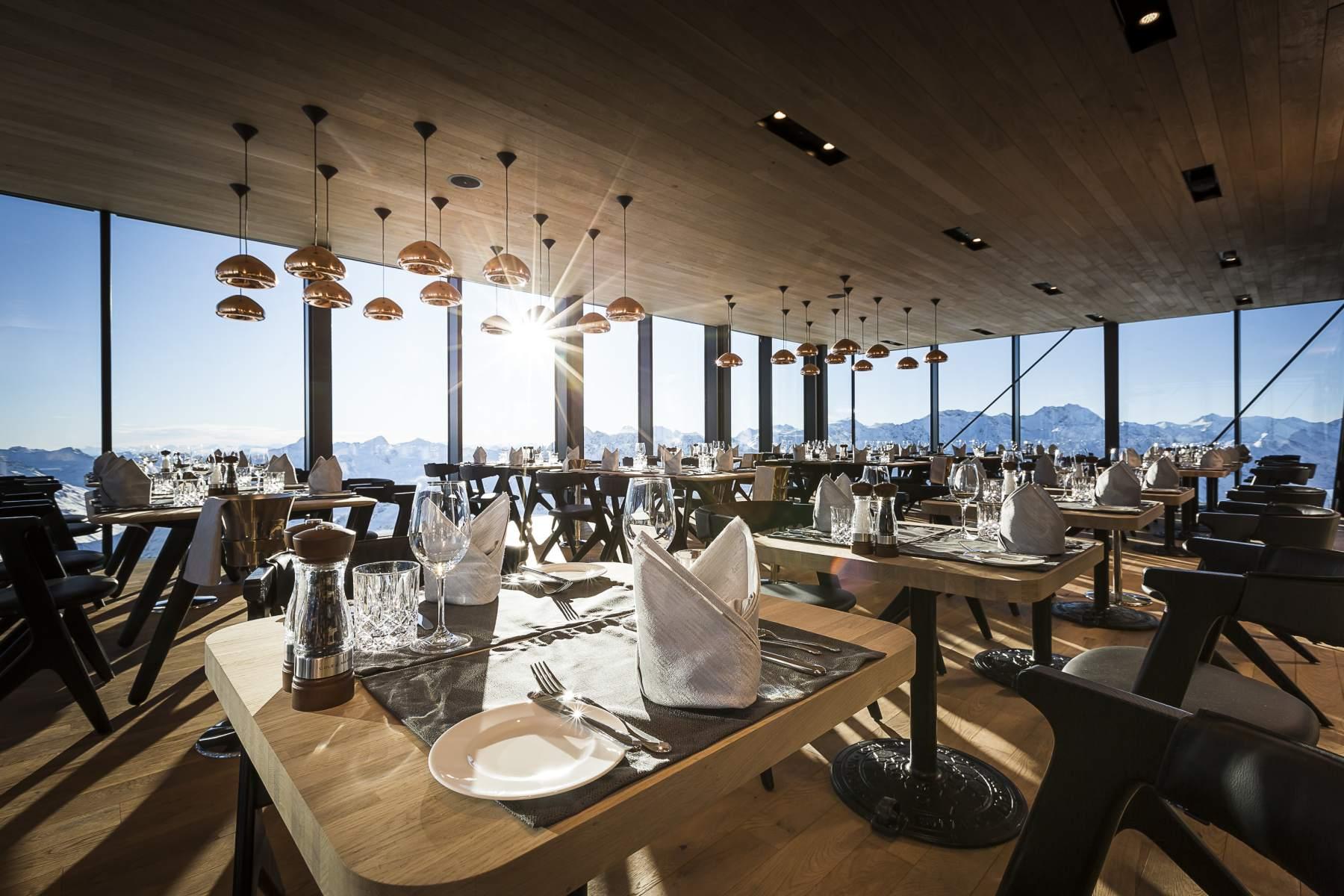 Ice Q. Restaurant mit Panoramablick