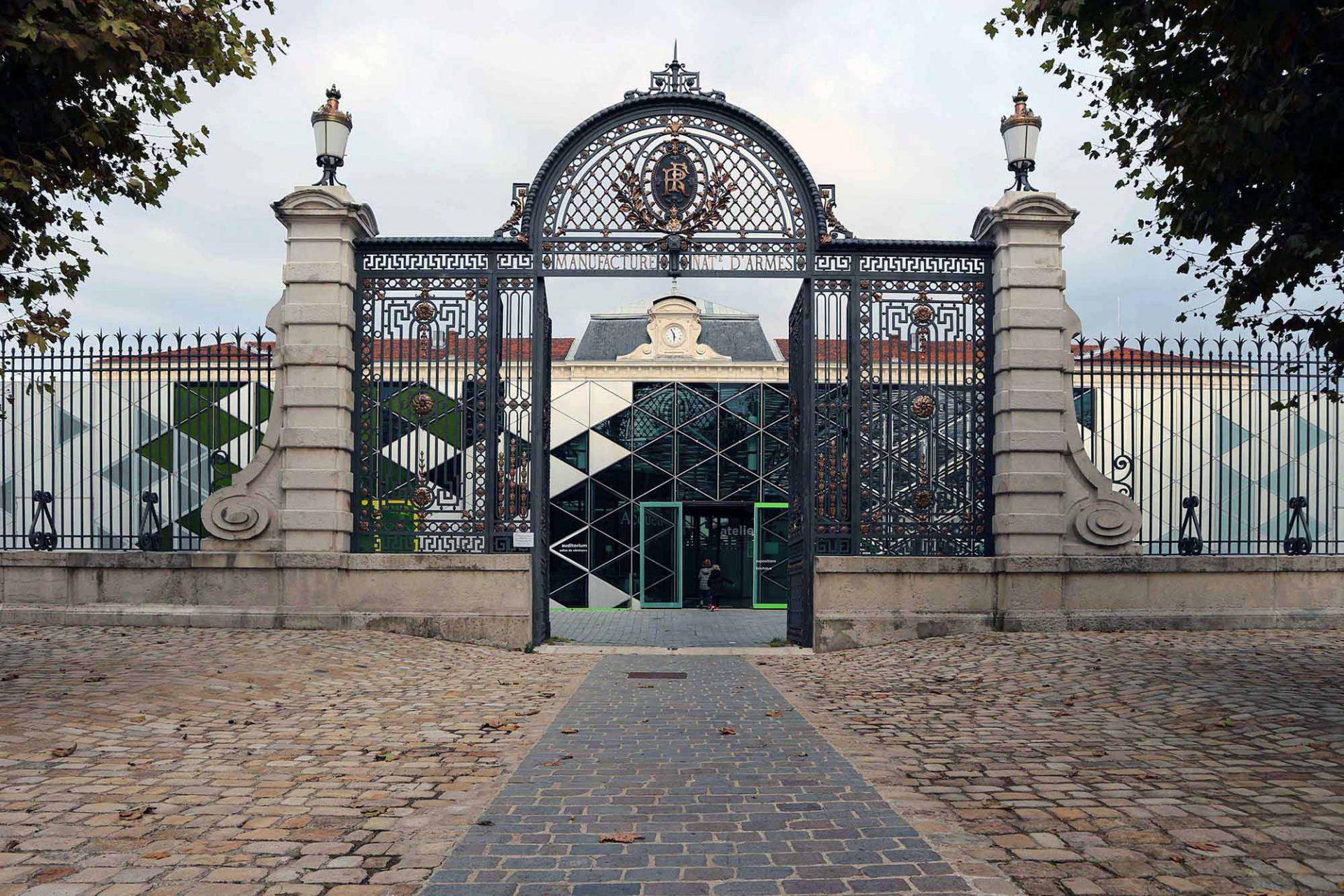 Cité du Design.  Hinter dem schmiedeeisernen Tor beginnt die neue Geschichte der Stadt.