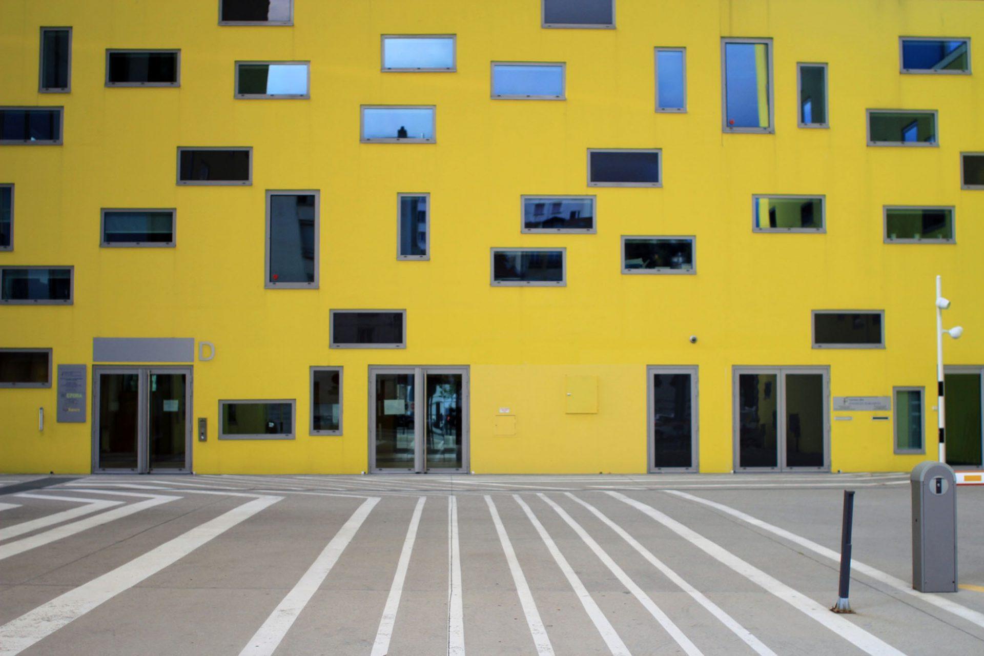 Ilot Grüner.  Gelb dominiert das Innere des Blocks.
